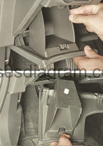 Fuse box Opel/Vauxhall Astra J Holden Astra Fuse Box Map on